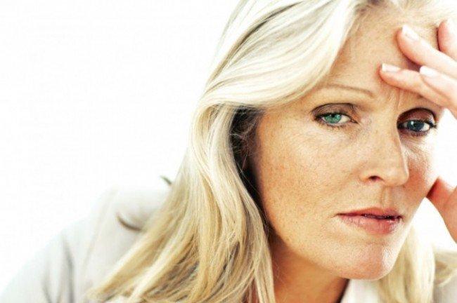 Stresul poate declanșa dureri de cap, Foto: guardianlv.com