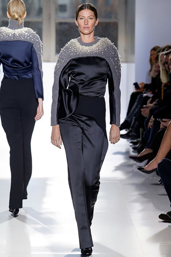Colecția Balenciaga din toamna-iarna 2014-2015, Foto: theglassmagazine.com