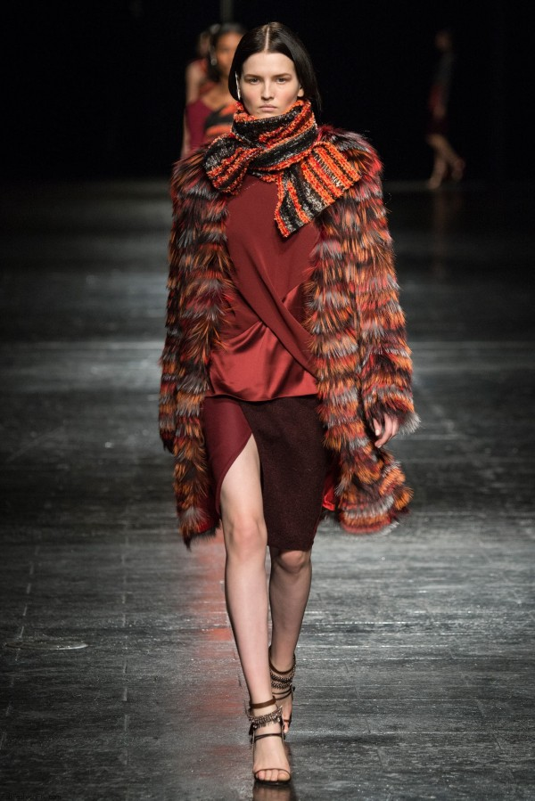 Moda Prabal Gurung din toamna-iarna 2014-2015, Foto: fabfashionfix.com