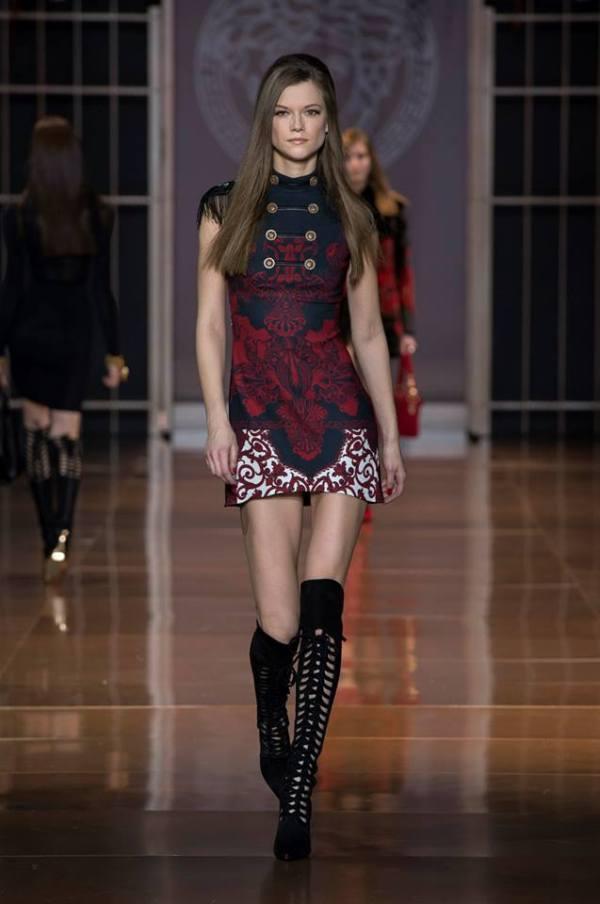 Rochie Versace la modă în această toamnă, Foto: fashionavecpassion.com
