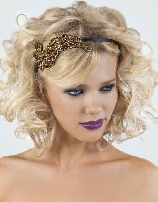 Coafură cu accesoriu în păr, Foto: frymod.blox.pl
