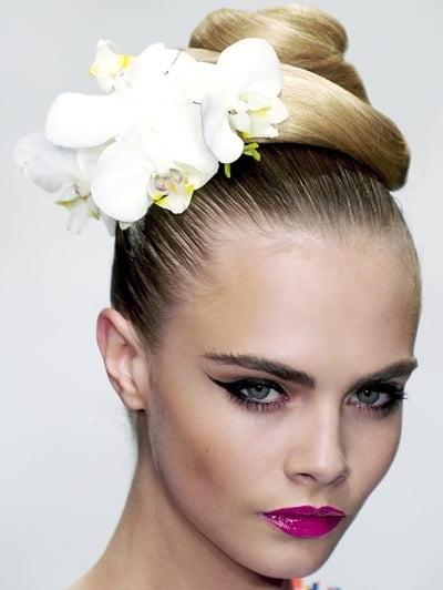 Coafură cu flori în păr, Foto: fancylifecorner.com