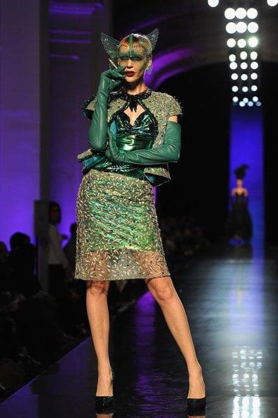 Costum în nuanțe de verde, Foto: fashion.erdbeerlounge.de