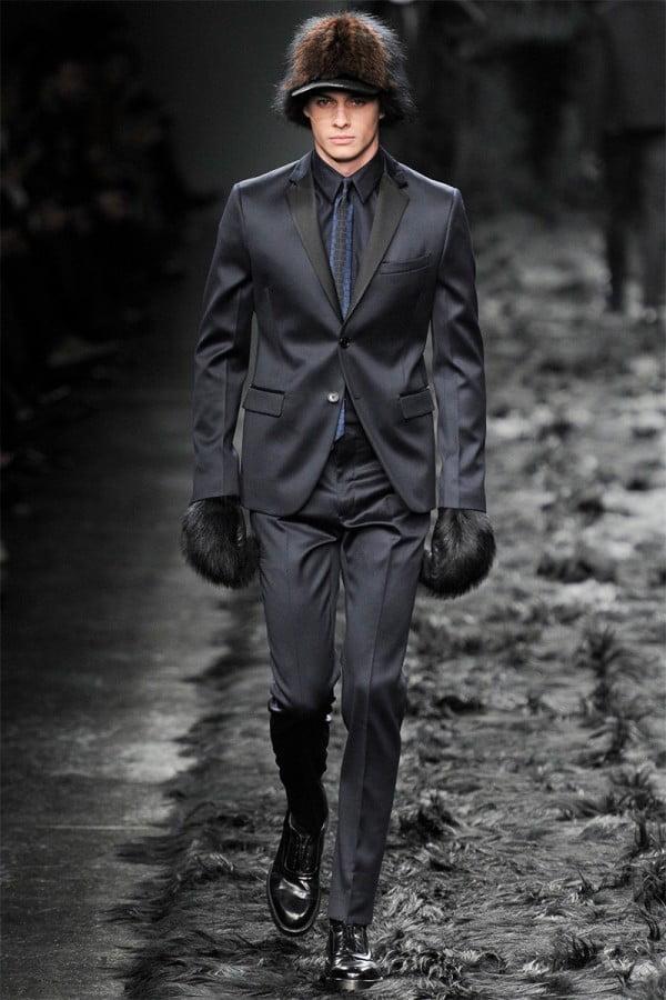 Mănuși din piele și blană neagră, Foto: thebestfashionblog.com