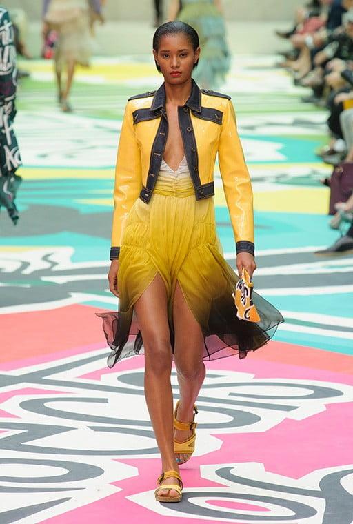 Rochie din tulle decoltată, Foto: tabloid.az