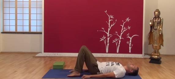 Exercițiu de flexibilitate pentru spate 1