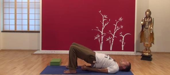 Exercițiu de flexibilitate pentru spate 2