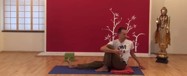 Exercițiu de flexibilitate pentru spate 5