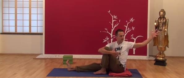 Exercițiu de flexibilitate pentru spate 4