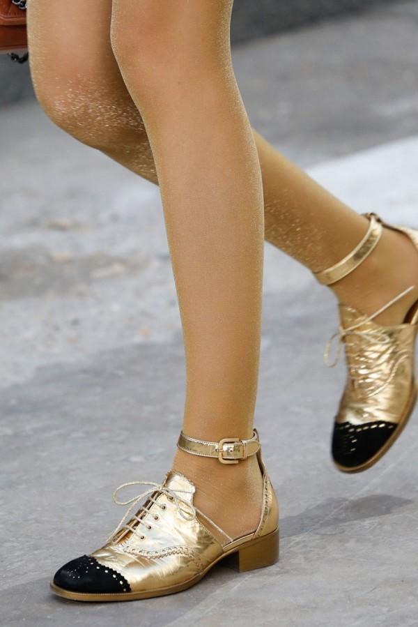 Pantofi aurii, Foto: sheyladoumit.com