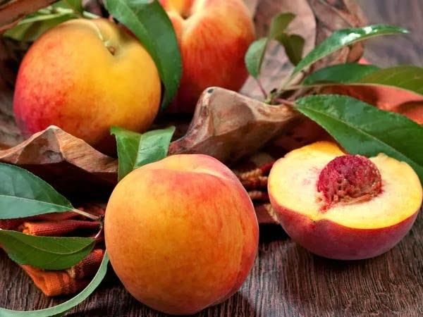 Piersici, fructe bogate în minerale și vitamine, Foto: blogcemilansehat.blogspot.com