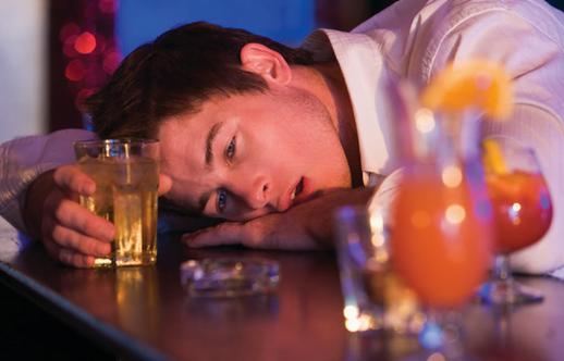 Intoxicația cu alcool, Foto: emsworld.com