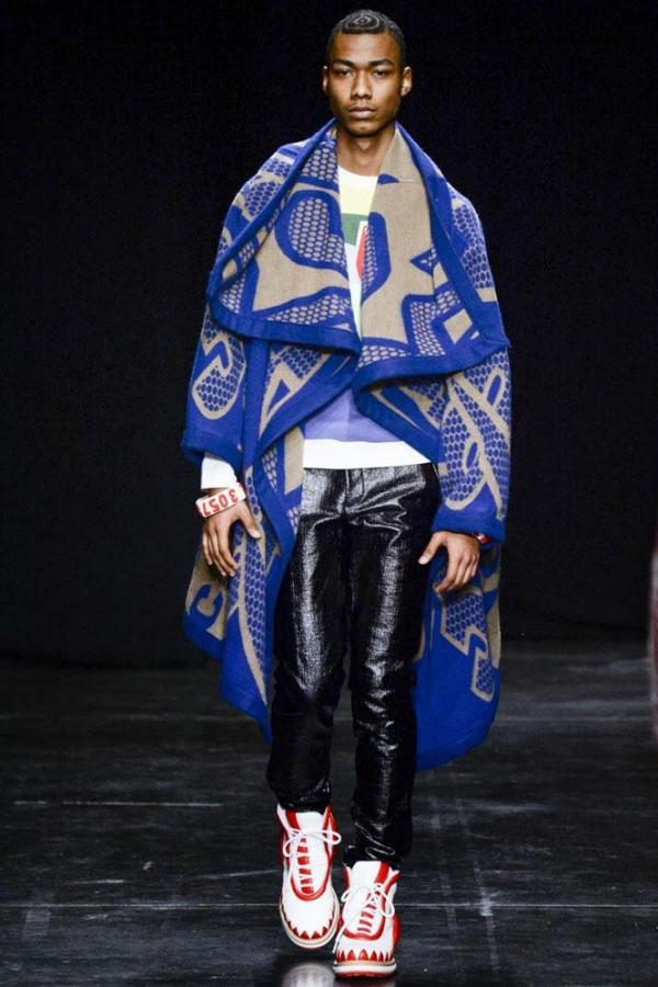 Moda Walter van Beirendonck, Foto: femmesdetunisie.com