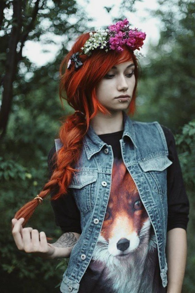Coafură emo cu părul împletit, Foto: inspirationde.com