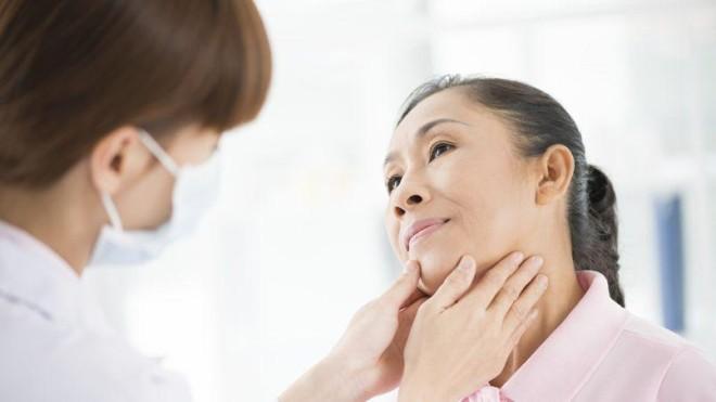 Consult medical, glanda tiroidă, Foto: lefigaro.fr