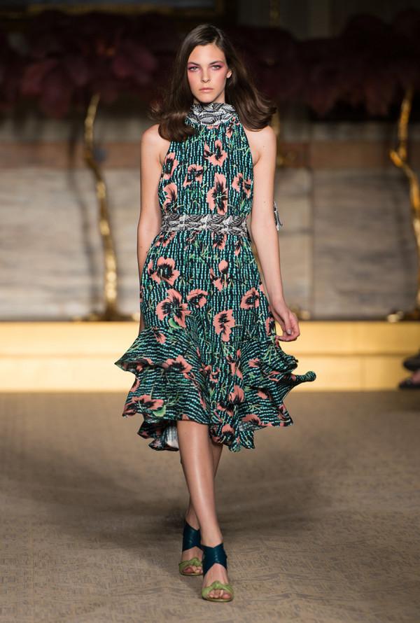 Rochie cu imprimeu floral, Foto: au.lifestyle.yahoo.com