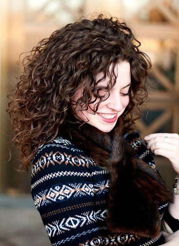 Coafură pentru femei cu părul creț, Foto: godfatherstyle.com
