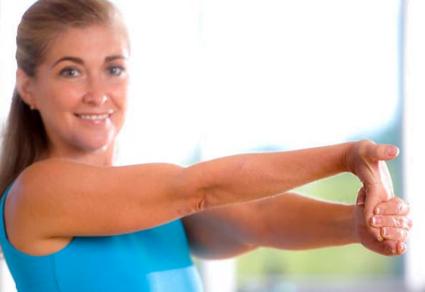 Exercițiul 7 - Pentru întinderea degetelor mâinii drepte, Foto: clearlakerheumatology.com