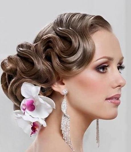 Coafură cu orhidee în păr, Foto: gvenny.com