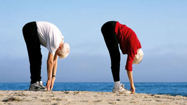 Exercițiu simplu pentru persoane în vârstă, Foto: startsatsixty.com.au