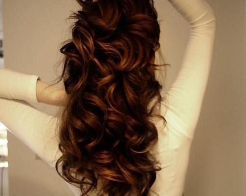 Coafură cu bucle și extensii de păr, Foto: theberry.com