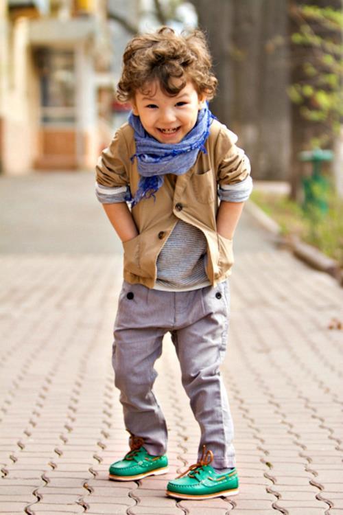 Tunsoare simpatică pentru băiat cu părul creț, Foto: admaniere.blogspot.ro