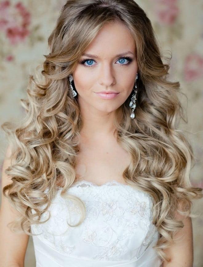 Coafură deosebită cu bucle mari, Foto: hairstylemen20.com