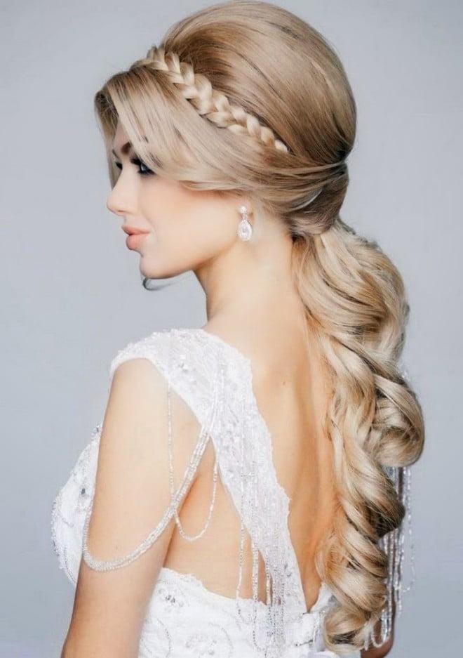Coafură elegantă pentru păr lung, Foto: hairstylemen20.com
