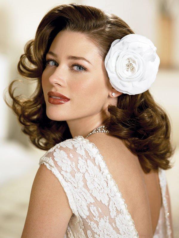 Coafură romantică pentru mireasă, Foto: bridalloft.wordpress.com