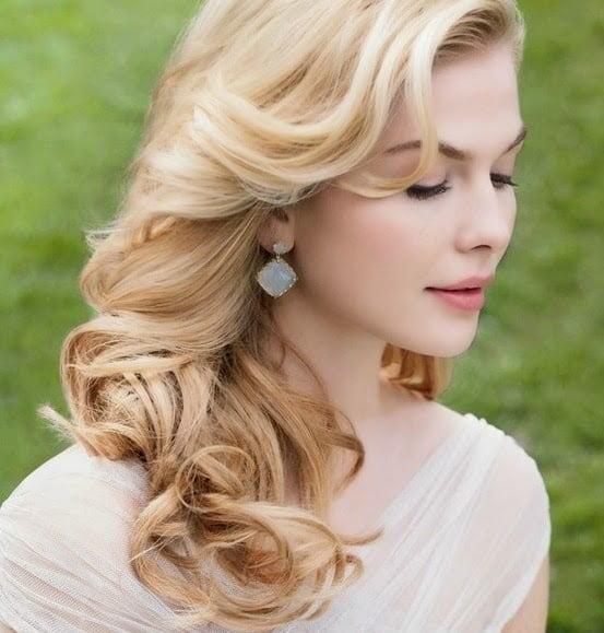 Coafură simplă, fină, care se poate face acasă, Foto: fashionqe.com
