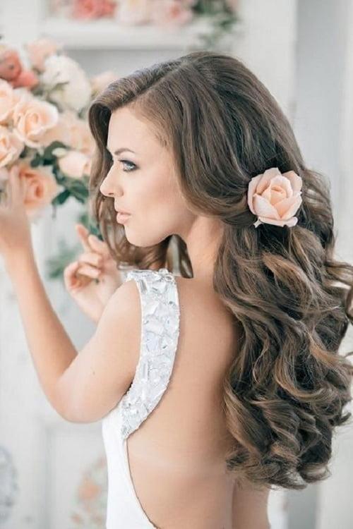 Coafură romantică, Foto: weddingsbytheaddison.com