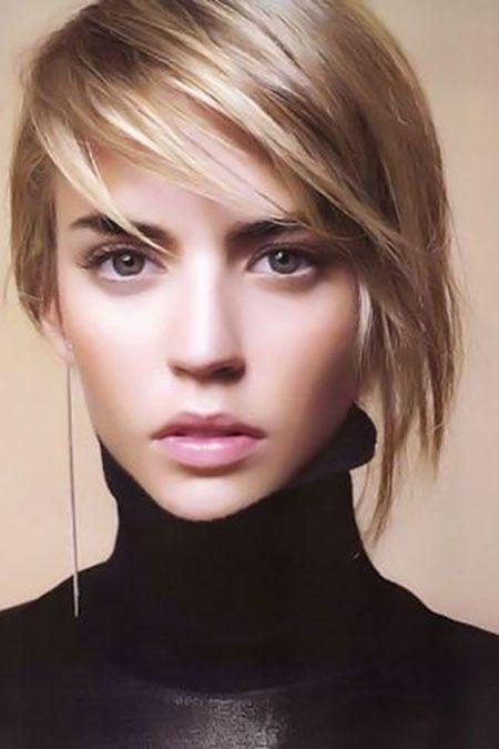 Păr scurt îndreptat cu placa, Foto: wavygirlhairstyles.com