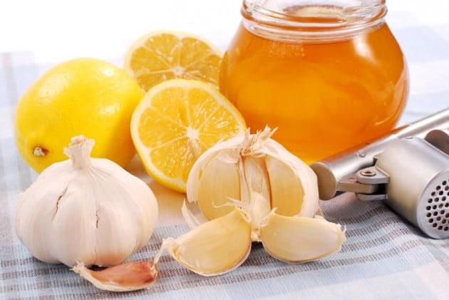 Preparat naturist din lămâie, miere, usturoi, Foto: bitshub.com