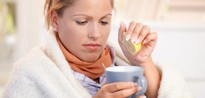 Sucul de lămâie ajută în tratamentul afecțiunilor respiratorii, Foto: e-health101.com