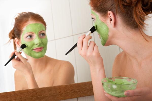 Mască cosmetică nutritivă și hidratantă din spanac, Foto: sheknows.com
