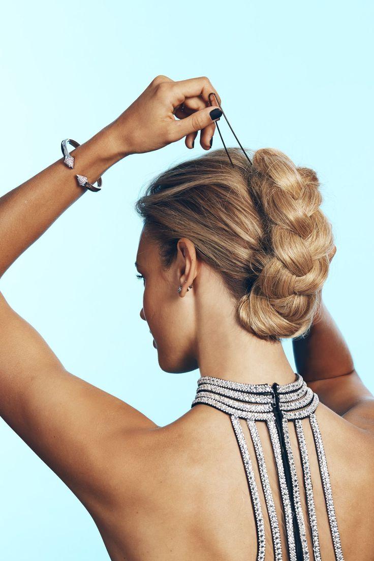 Coafuri Elegante De Seară Pentru Femei Cu Păr De Lungime Medie Sau