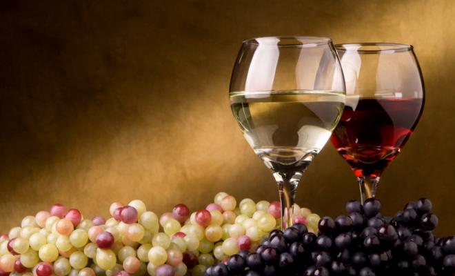 Vin alb, vin roșu, Foto: pixshark.com