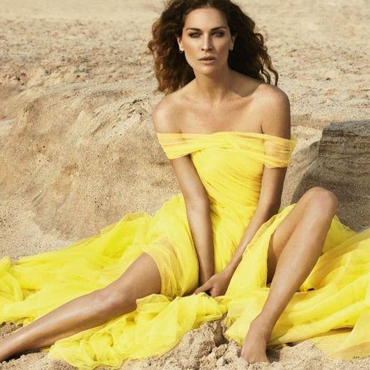 Rochie galben modernă, Foto: inspirationbycolor.com