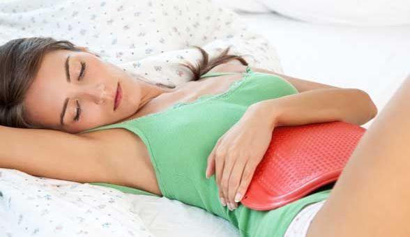 Colita, simptome de dureri în zona abdominală inferioară, Foto: beautyheaven.com.au