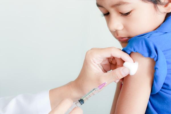 Vaccinarea la copii pentru prevenirea meningitei, Foto: sheknows.com