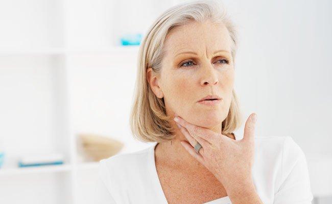 Arsurile laringelui, simptome și disconfort la nivelul gâtului, Foto: dormuscular.net