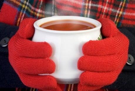 Băuturile fierbinți ajută în caz de degerături la încălzirea corpului, Foto: kinderhouse.ru