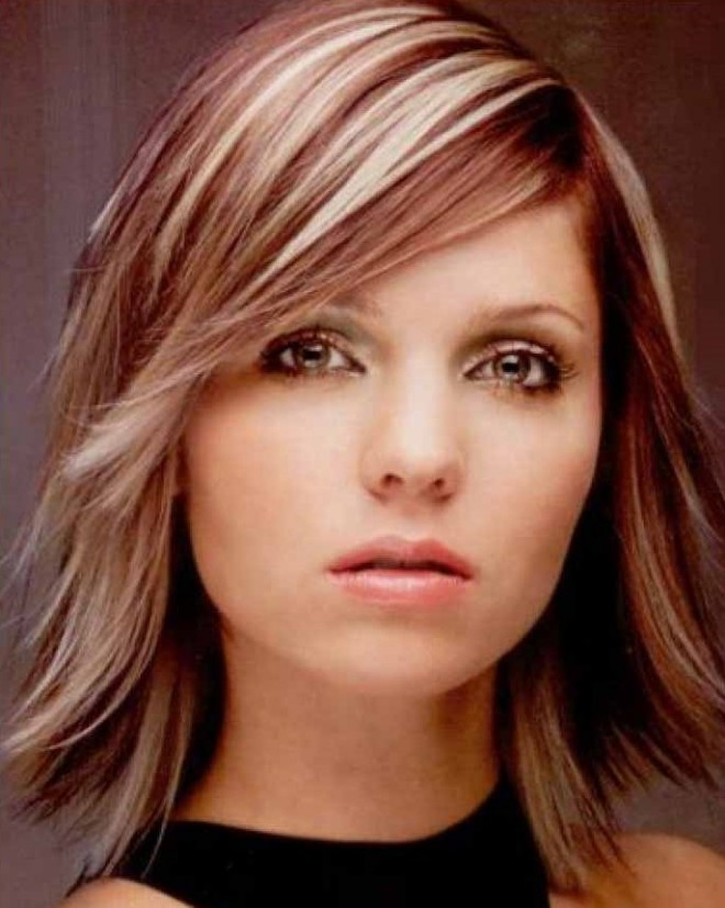 Coafură simplă și tinerească, Foto: hairstylesandcolors.com