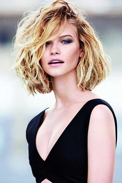 Coafură trendy pentru femei cu păr mediu, Foto: doctorvlad.com
