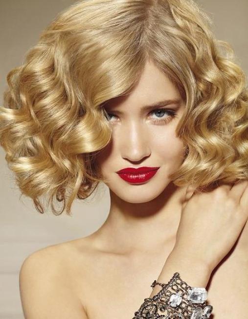 Păr blond tapat cu bucle, Foto: qwled.com