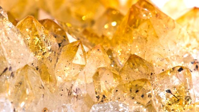 Citrin galben ca mierea, Foto: sokolov.ru