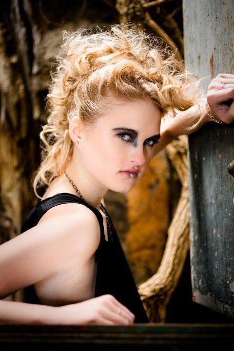 Coafură în stilul rock'n'roll, Foto: practicedatesla.com