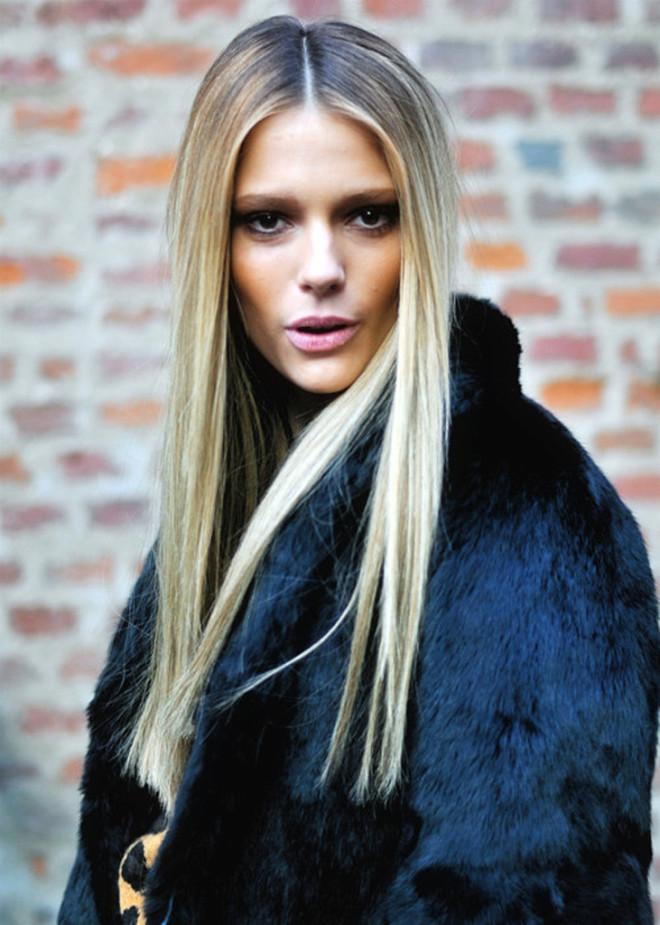 Coafură cu părul întins cu placa, Foto: thefashiontag.com