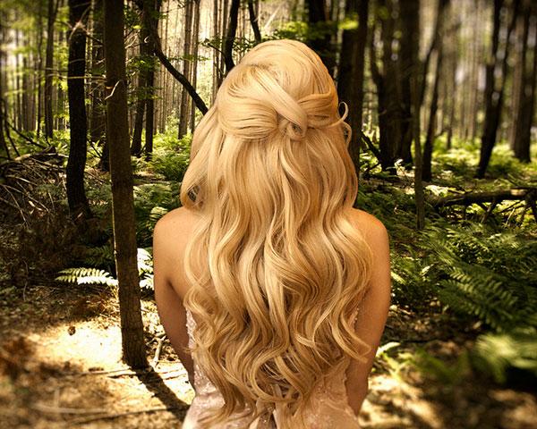 Coafură deosebită pentru păr lung, Foto: slodive.com