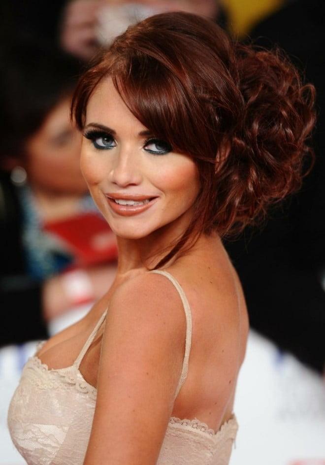 Cum iți poți spori frumusețea dacă ai părul roșcat